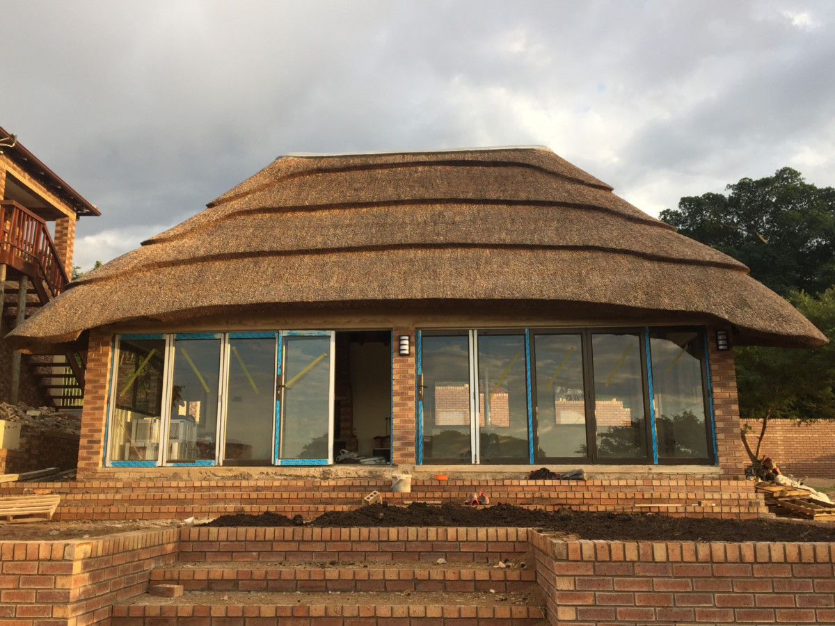 Thatch Lapa And Entertainment Areas Bosazza Roofing